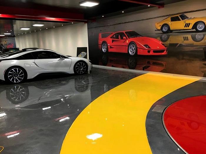 epoxy pod u salonu automobila
