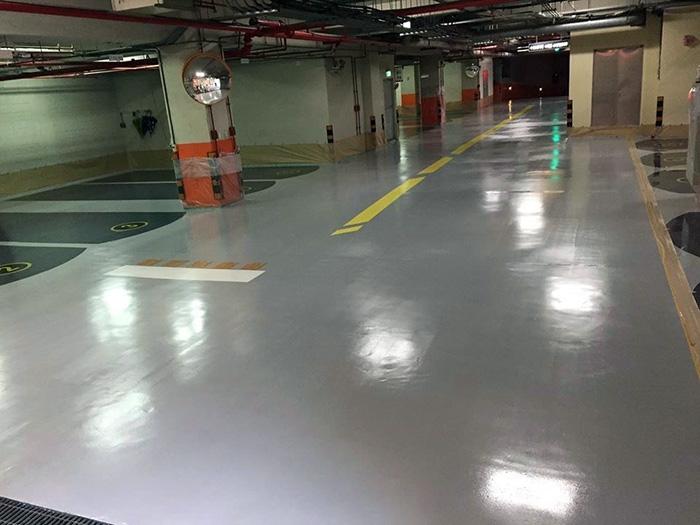 epoxy pod u podzemnoj garaži